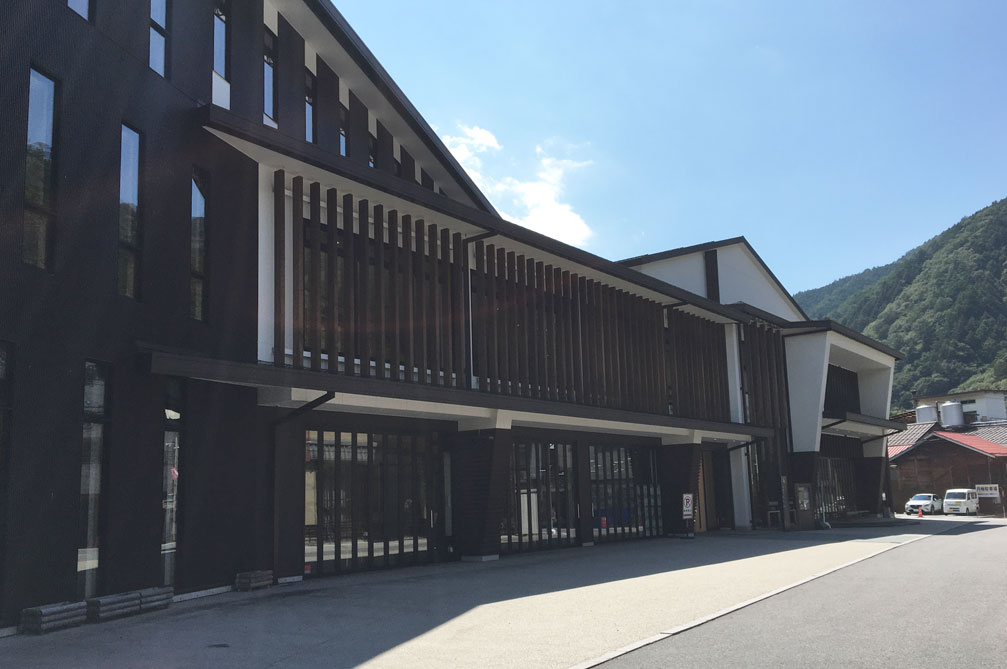木曽町交流センター